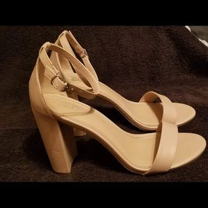 Heels i got for a party, never worn after that.